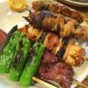 新宿「やきとり番番」もつ焼き・焼鳥・つくねどれも嬉しい1本100円!味わい深い昭和のやきとり酒場