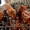 田町「ホルモンまさる」大ぶりホルモン290円に舌鼓!コスパ高で味わい深いホルモン焼き屋
