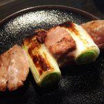 沼袋「おりはら」柔らかなマグロホホ肉ねぎま串250円に舌鼓!築地直送の海鮮串が楽しめる立ち飲み