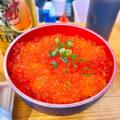 上野「魚草」新鮮で甘い北海道産の生うに500円で黒ラベル350円をラッパ飲み!アメ横の吞める魚屋